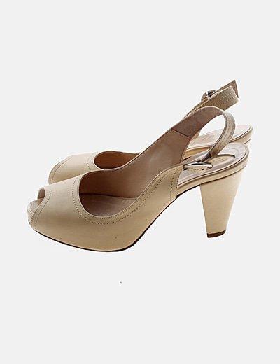 Zapato beige hebilla