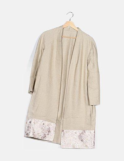Kimono dorado bajo boradados