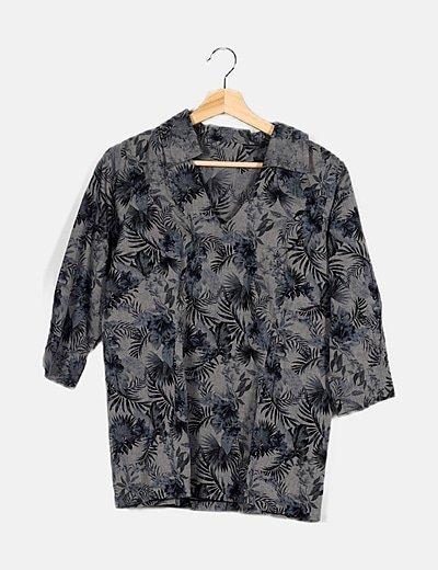 Camiseta gris floral