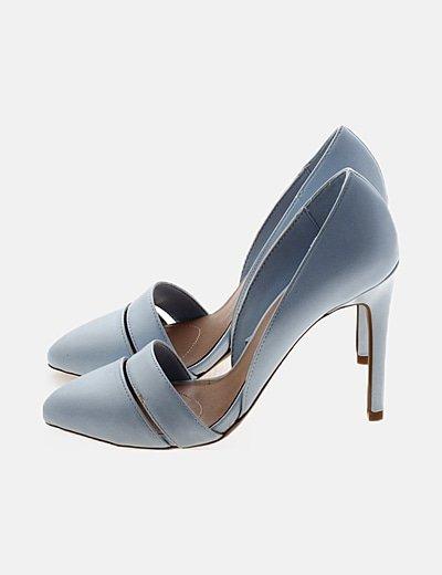 Zapato de tacón azul cielo