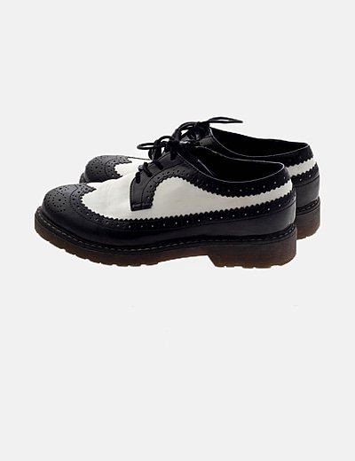 Zapatos blucher blancos y negros