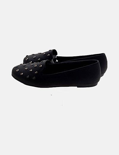 Zapato negro detalles skull