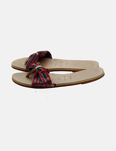 Sandalia bicolor de rayas