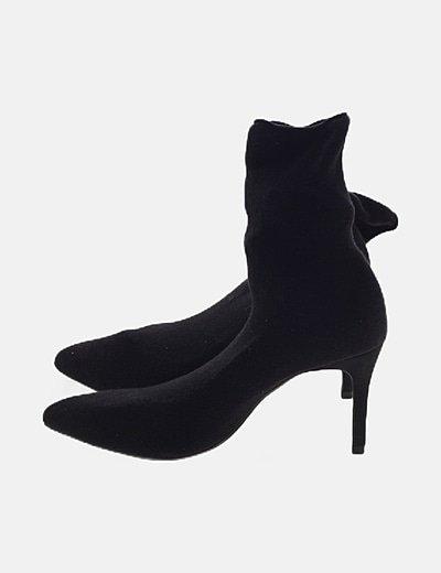 Botín negro de calcetín