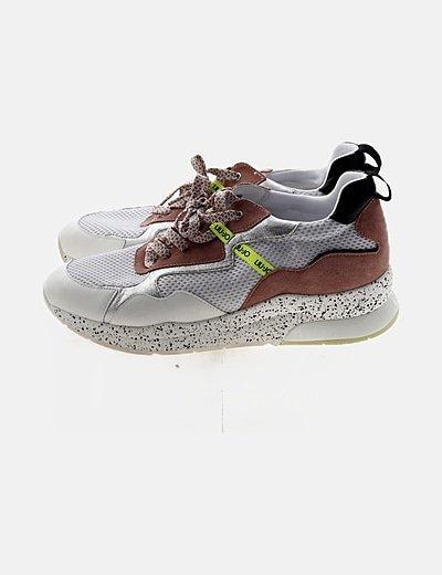 Sneaker bicolor moteada
