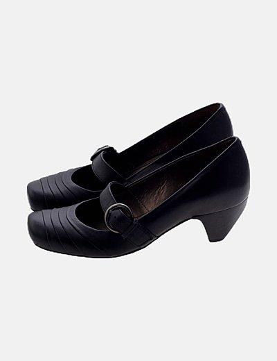 Zapato negro hebilla