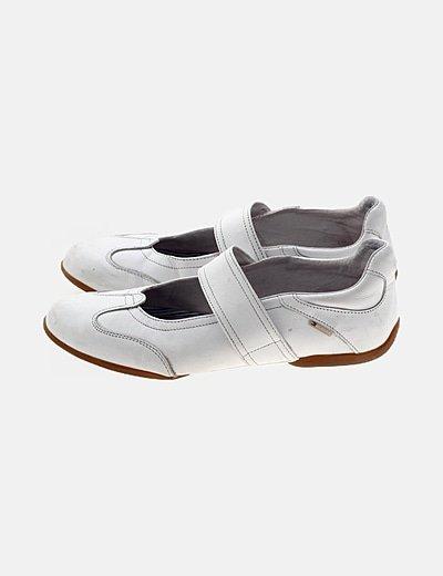 Zapato tira blanco