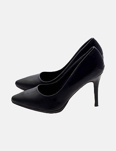 Zapato negro tacón