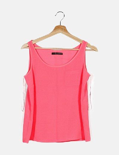 Blusa rosa flúor