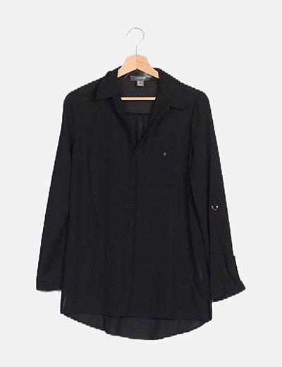 Camisa negra semitransparente