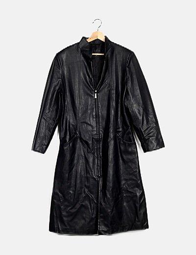 Abrigo largo negro encerado