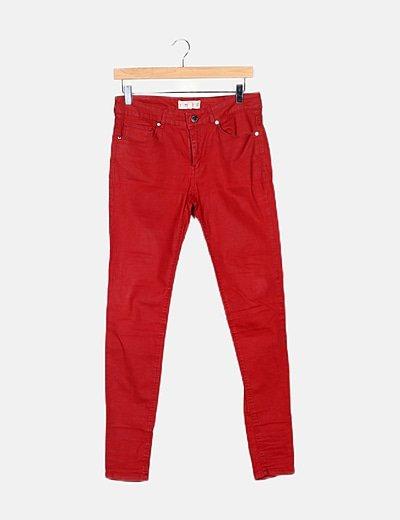 Pantalón rojo encerado