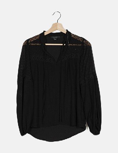 Blusa negra encaje