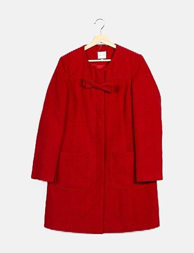Abrigo rojo lazo