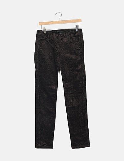 Pantalón marrón chocolate micropana