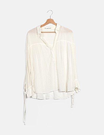 Blusa blanca con lazos