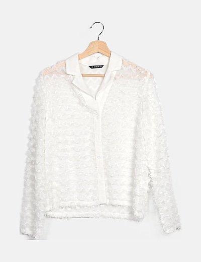 Camisa blanca flecos