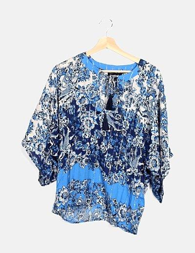 Camiseta azul floral detalles glitter