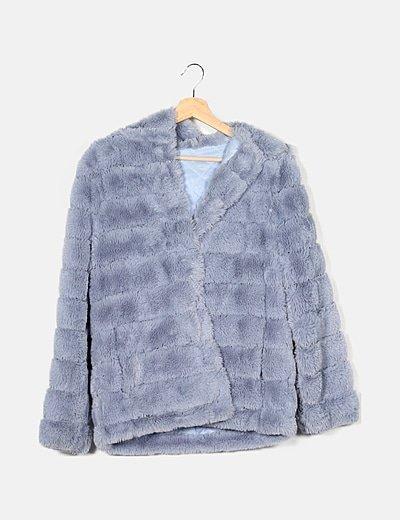 Abrigo de pelo sintético azul con capucha