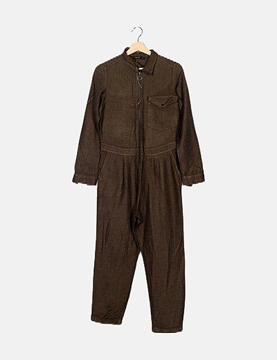 Mono marrón espiga