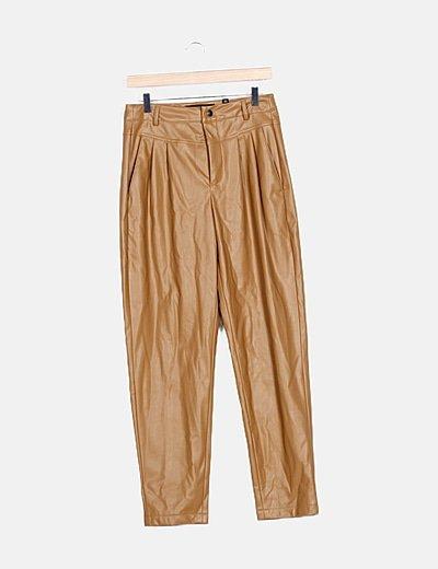 Pantalón polipiel camel