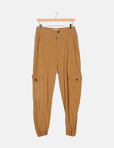 Pantalón beige baggy