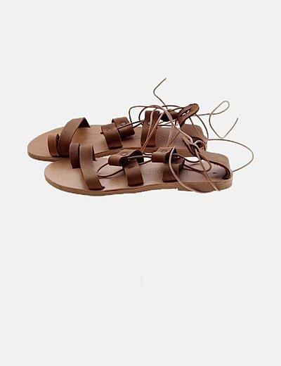 Sandalias planas marrón lace up
