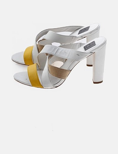 Sandalia tacón blanca tira amarilla