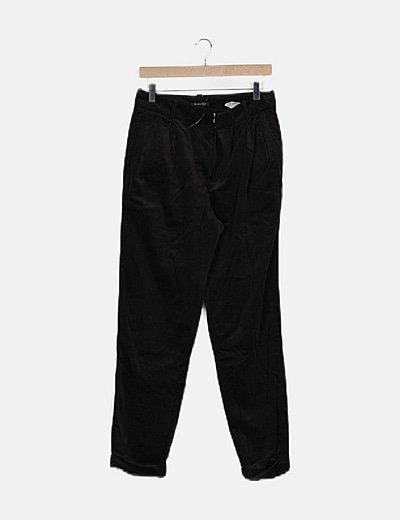 Pantalón negro pana