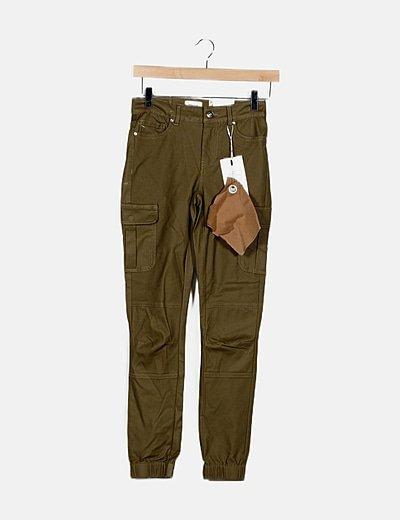Jeans verde kaki encerado detalle bolsillos