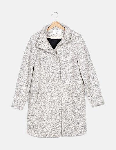 Abrigo de punto rizado gris