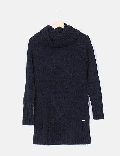 Vestido tricot negro con cuello alto