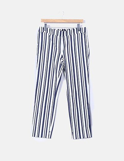Pantalón blanco de rayas azules