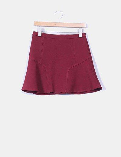 Mini falda burdeos con vuelo