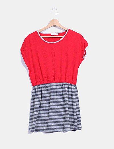 Vestido rojo y gris oversize con rayas