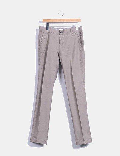 Pantalón color taupé