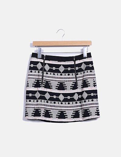 Falda midi texturizada con estampado étnico