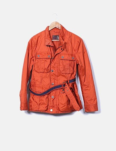 Chaqueta impermeable color naranja