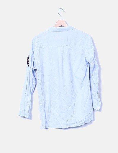 camisa azul parches zara
