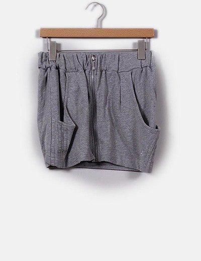 Mini falda gris deportiva con cremallera