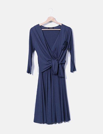 Vestido azul marino detalle flor