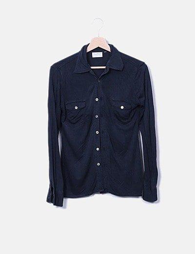 Camisa fluida negra con bolsillos