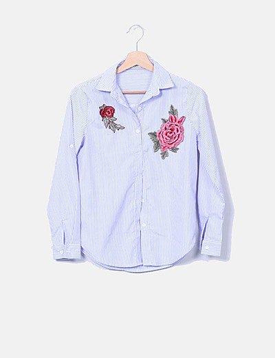 Camisa rayas azules bordado floral