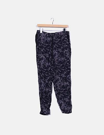 Pantalón baggy estampado gris