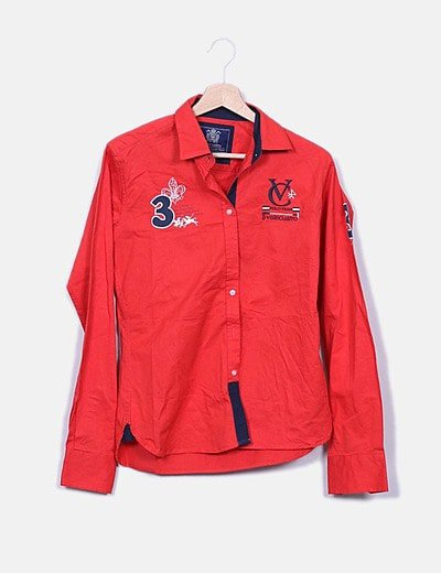 Camisa roja bordada